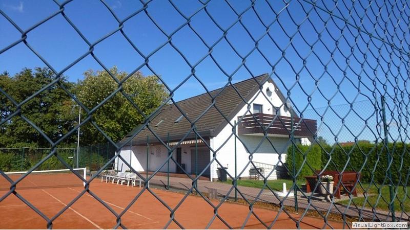 03_tennisverein_p010093